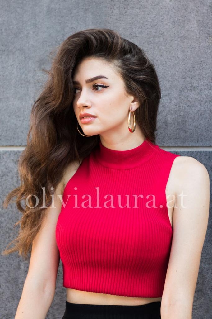 Arabella R.